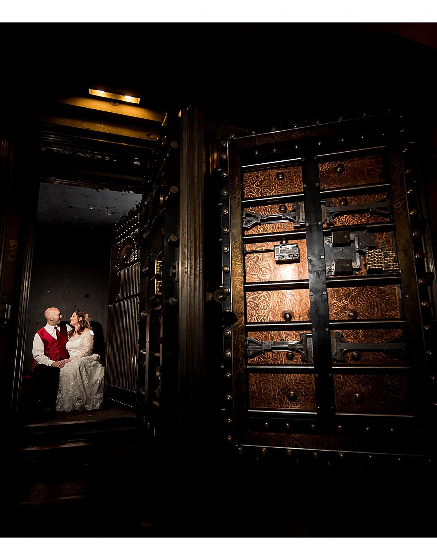 0696-J.BensonPhotography_Wedding_JimJoan_Society_Room_Hartford_CT