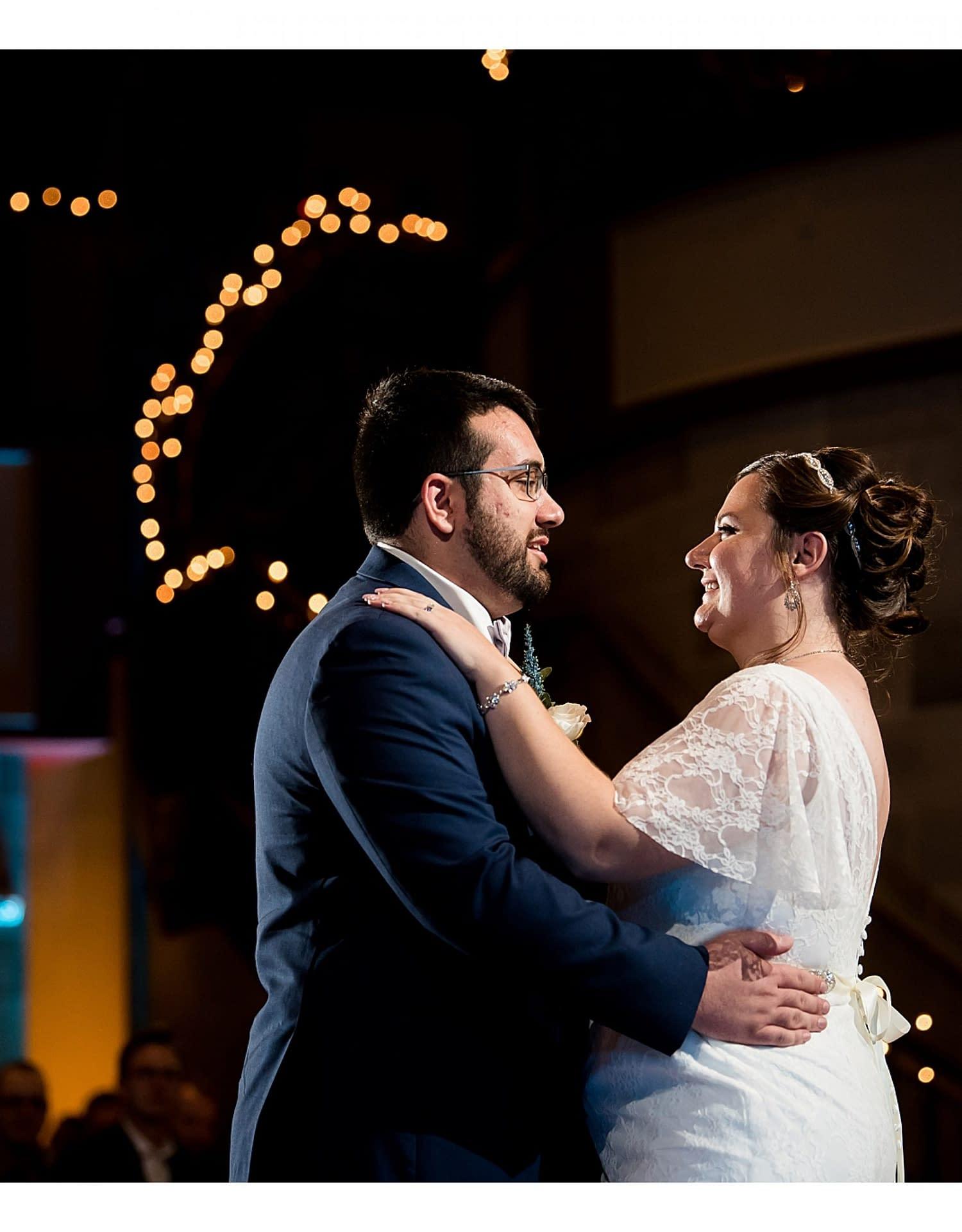 0980-J.BensonPhotography_Wedding_SteveSarah_Society_Room_Hartford_CT