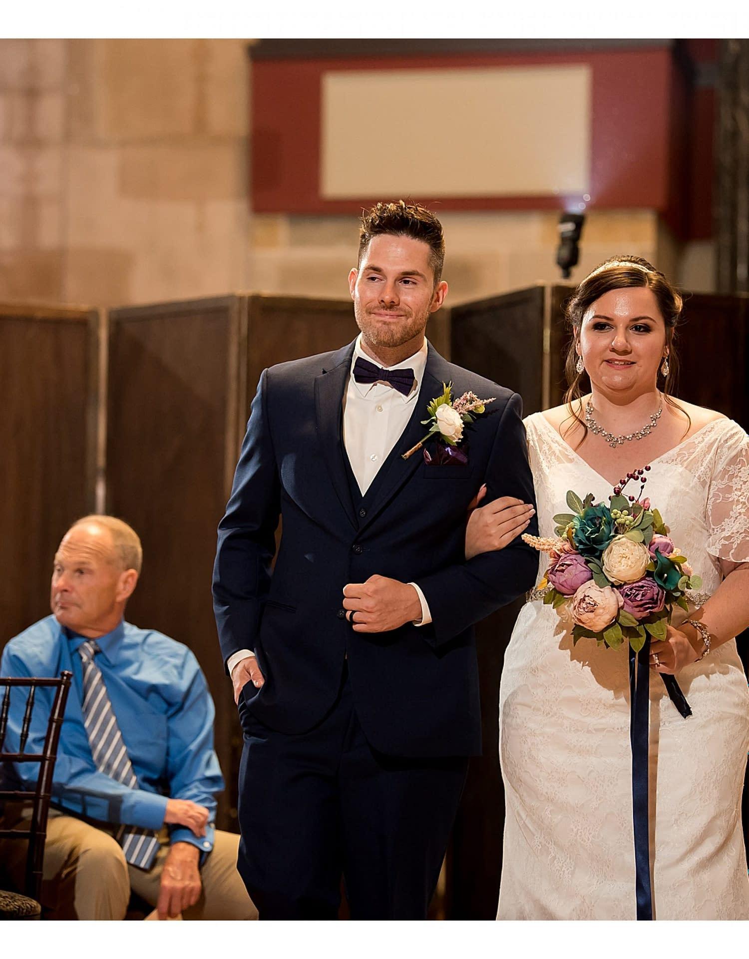 0806-J.BensonPhotography_Wedding_SteveSarah_Society_Room_Hartford_CT